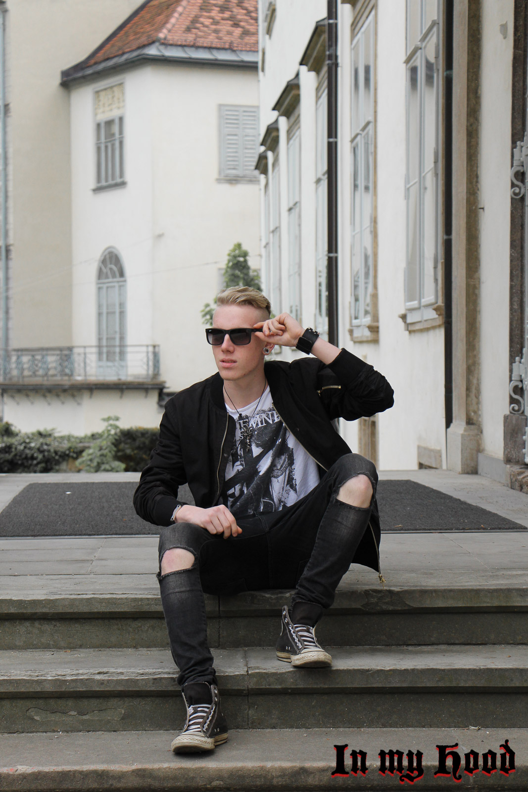 MY STYLE Bomberjacke und Knee-Cut Jeans, In my Hood, Tobias, Austria, Steiermark, Graz, Grazer Blogger, OOTD, WIW, What I wore, Instastyle, Style is what , Streetstyle, Fashionaddict, Mensfashion, Mensstyle, Men with style, Fashiongoals, Fashionkilla, styled, Styleguide, Fashionblogger, Styleblogger, Lifestyleblog, Lifestyleblogger, Bloggerstyle, Bomberjacke, Converse, Knee-Cut Jeans, Ray Ban